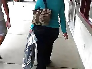 Mature PAWG at Leesburg Outlet Mall