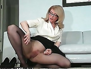 Fetish Juicy MILF Nude Nylon Striptease Teacher