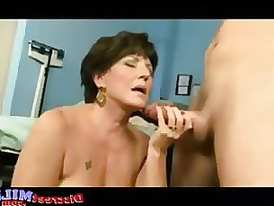 Mature cougar get fucked at the doctors office