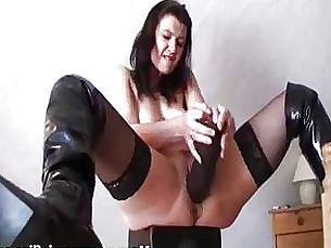 Amateur Black Brunette Dildo Fetish Kitty Masturbation MILF