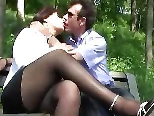 Fuck Hot Mature MILF Outdoor