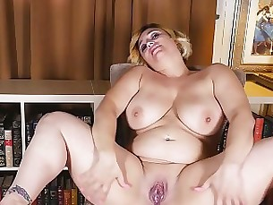 Aunt Judy\'s Interviews Big-breasted Jewels