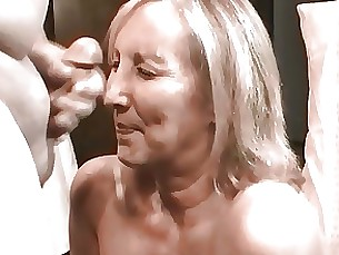 Amateur Facials MILF Webcam