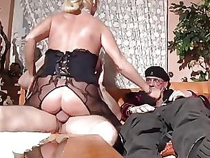 Amateur Mature Threesome
