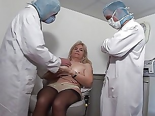 French Genecology mature & young - fist - anal - gyno