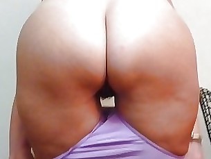 Home made anal : Booty milf needs more