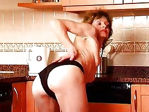 Amateur Brunette Dildo Hairy Masturbation Mature Pussy Solo