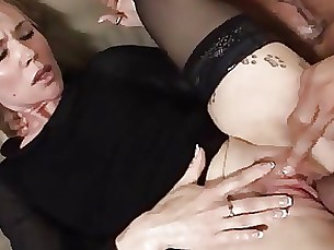 Mateur Lady in black gets her holes fucked