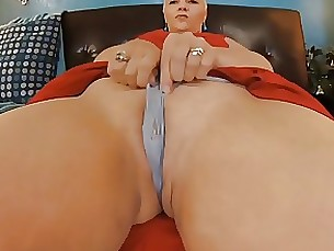 Amateur Blonde BBW MILF Pussy