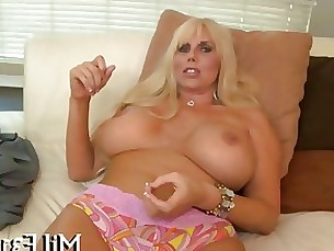 Hot babe longs for hardcore sex after her pussy lick