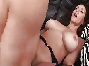 Mature couch fucking