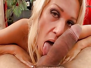 Naughty wife Ava loves cock in her mouth