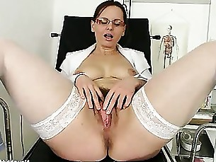 Amateur Ass Brunette Glasses Hairy Mammy Mature MILF
