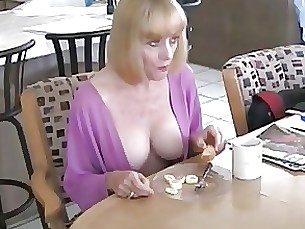 Blowjob Mammy Mature