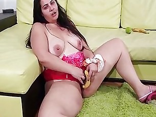 BBW hairy mom loves fucking her pussy