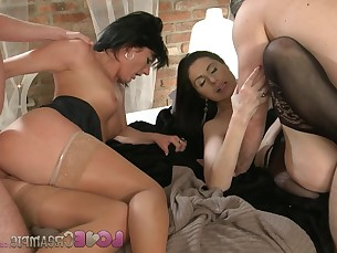 Big Cock Cougar Creampie Cum Inside Ladyboy Mature MILF