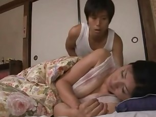 Hongkong Japanese Mammy Mature MILF Sleeping