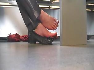 Amateur Feet Foot Fetish Mammy MILF Playing Sleeping