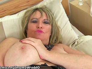 Big Tits Boobs Close Up Fingering Granny Masturbation Mature MILF