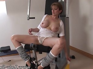 Amateur Big Tits Boobs Brunette Dolly High Heels Kitty Mammy