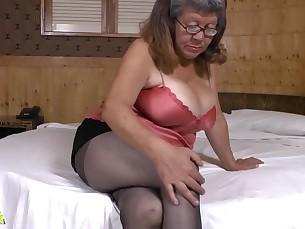 Bus Busty BBW Fatty Granny Mammy Masturbation Mature