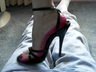 Feet Fetish High Heels Kinky MILF